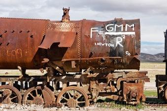 Grafiti - ulična umetnost - Page 19 5040522661-newton-universal-law-gravitation-equation-graffiti-steam-locomotive